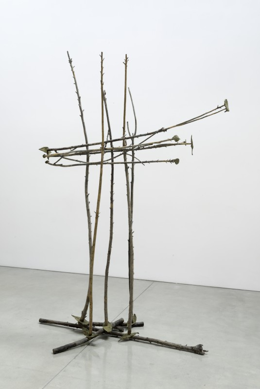 GIUSEPPE PENONE, Pelle di foglie - 5 foglie a terra, 2011 Bronze, 113 x 75 x 39 inches @ Penone. Courtesy of the artist and Gagosian Gallery. Photo: Josh White