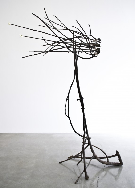 GIUSEPPE PENONE, Pelle di foglie-sguardo, 2013  Bronze, gold, 98 x 70 x 30 inches  © Giuseppe Penone. Courtesy of the artist and Gagosian Gallery.  Photo: Benjamin Lee Ritchee Handler