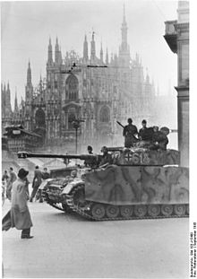"""A Panzer IV of the Waffen SS """"Leibstandarte Adolf Hitler"""" division in Milan, Piazza del Duomo, immediately after the German occupation that followed the September 8, 1943 armistice"""